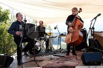 Renaud Garcia-Fons Trio © Peter Purgar
