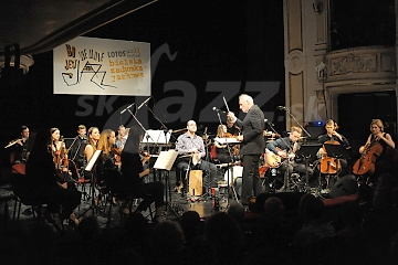 Krzesimir Debski a Primuz Orchestra © Patrick Španko
