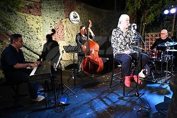 Árpi Farkaš Trio a Gábor Winand © Patrick Španko