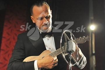 Miloš Stačík a  ukulele © Patrick Španko
