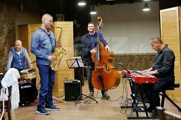 Nikolaj Nikitin a Ondrej Krajňák a Trio © Andrej Mann