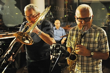 BA: Traditional Club Revival a Peter Lipa !!!