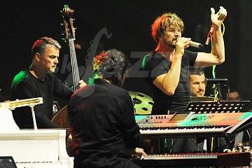 BA: Jazz v divadle Aréna - Dan Bárta a Illustratosphere !!!