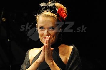 Speváčka Anna Lauvergnac !!!