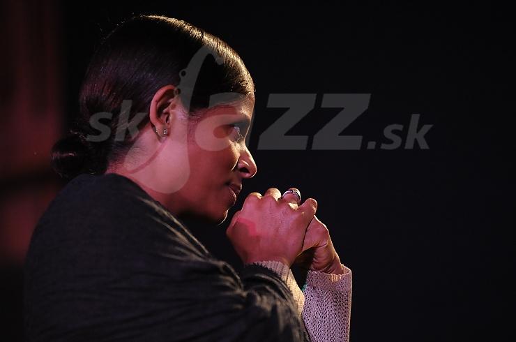 Speváčka Laïka Fatien !!!