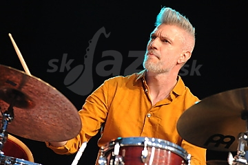 Bubeník Einar Scheving !!!