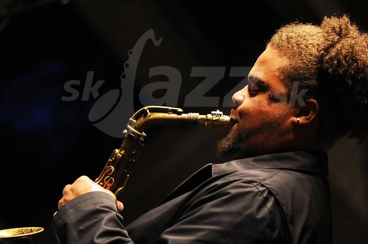 Saxofonista Logan Richardson !!!