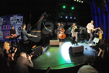 21. Lotos Jazz Festival - AMC Trio UNIT & Regina Carter !!!