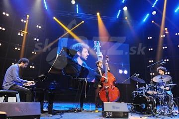 Izraelské trio Shalosh s novým albumom už ... ???