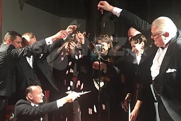 Lupene z ruží uviedli debutový album ... !!!