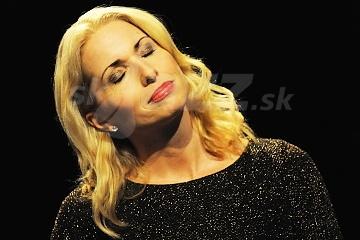 Švédska spevácka ikona má nový album !!!