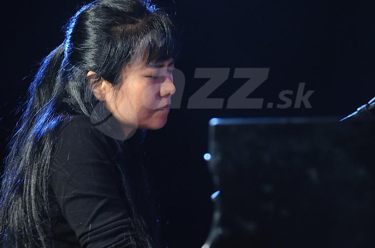 Klaviristka Satoko Fujii !!!