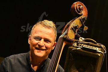 Kontrabasista a basgitarista Robert Balzar !!!