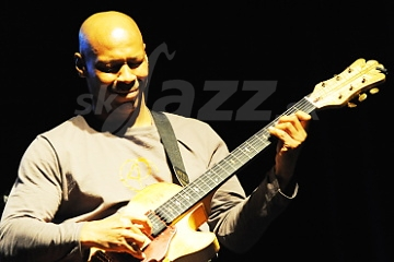 Gitarista Kevin Eubanks !!!