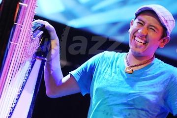Harfista Edmar Castañeda !!!