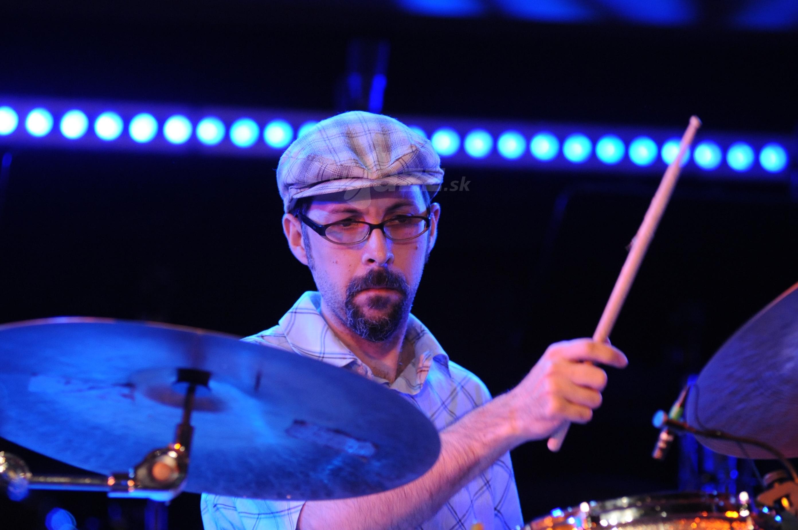 Bubeník John Hollenbeck !!!