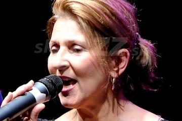 Speváčka Janis Siegel !!!