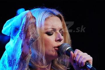 Speváčka Anna Maria Jopek !!!